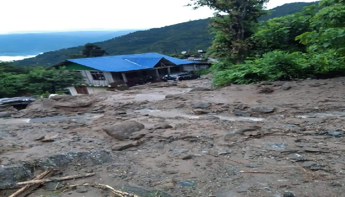 1 dead, 2 injured & 5 missing after a Camp Washed Away in Rungpo