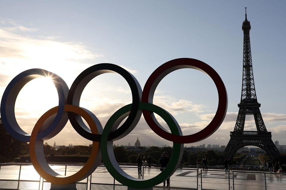 Paris to unfurl flag large as 'soccer field' at handover of Olympics